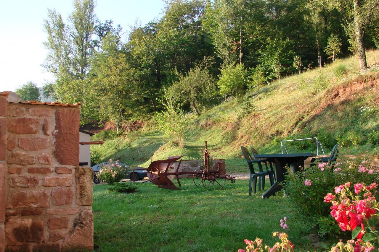 barbecue + salon de jardin